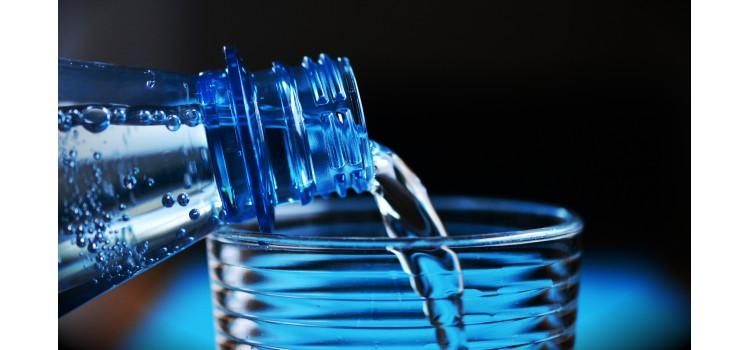 Retiran del mercado garrafas de agua Manantial Aiguaneu por presencia de agentes químicos.
