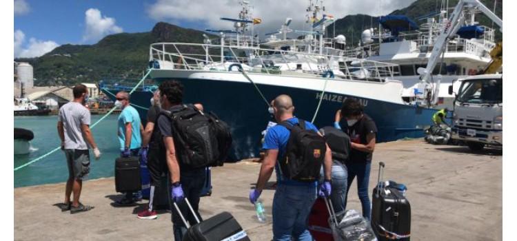 Primera operación de relevo de tripulaciones de buques atuneros
