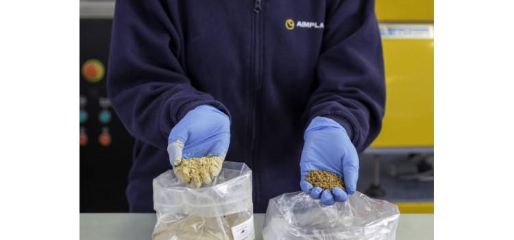 Nuevo material plástico sostenible para el envasado del aceite a partir de los huesos de oliva